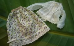 Peasant shirt and skirt for Blythe by RainbowDaisies on Etsy