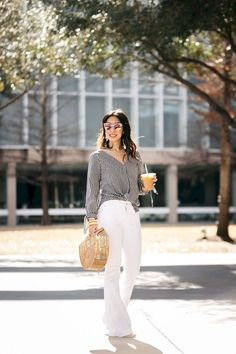 40 Casual White Slacks for Spring Summer Airport Style White Slacks, White Trousers, White Jeans, Weekend Outfit, Weekend Wear, Summer Capri Outfits, Gingham Shirt, Bell Bottom Pants, Airport Style