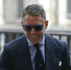 #lapoelkann #laps #hublot #rubinacci #style#mensstyle #ceo #fabrics #menwithclass#sprezzatura#jacket #menswear#elegant#gent#gentleman#suit#doublebreasted#dapper#italianstyle#luxury#luxurylife#luxurymagazine#mensfashion#bespoke#styleoftheday#tie#rebel#revolution#satorial#tailoring