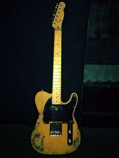 Fender. Telecaster. Wilkins. Goldedition. Costume