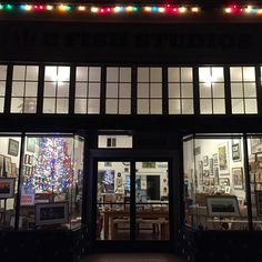 Friday Fish List: What We Loved This Week, 12/11/2015. Local artists Annie Galvin, Eric Rewitzer and the 3 Fish Studios gang share weekly events that inspire original prints and affordable art made in San Francisco.