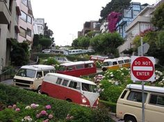 VW Bus caravan on Lombard Street - San Francisco