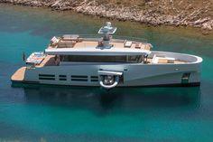 15 de noviembre de 2012: Wally es uno de los astilleros mundiales que siempre marca tendencia tanto a vela como a motor. Ahora con la primera unidad del WallyAce, una embarcación a motor de 26 metros, la firma de Mónaco quiere revolucionar el mercado de los barcos de alquiler.