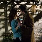 Still of Sandra Bullock and Keanu Reeves in La casa del lago Keanu Reeves Sandra Bullock, Good Movies On Netflix, New Movies, Movies And Tv Shows, Drama Movies, Sandro, Sandra Bullock Movies, Haus Am See, Netflix Streaming