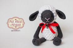 pl (pattern by engsidrun. Love Crochet, Crochet Baby, Crochet Projects, Sheep, Bunnies, Crocheting, Baby Kids, Miniatures, Dolls