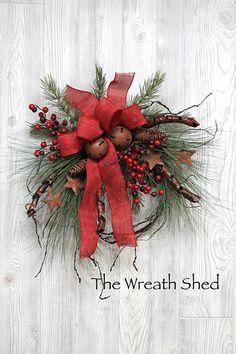 Christmas Swags, Xmas Wreaths, Winter Christmas, Christmas Home, Christmas Crafts, Christmas Decorations, Holiday Decor, Winter Wreaths, Christmas Centerpieces