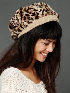 leopard beanie - I can so see you wearing this @Erin B B Gorman