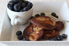 Kakaowe placki z kaszy manny to pyszna wersja już kultowych alaantkowych pankejków. Mają wyraźny, czekoladowy smak, osłodzony bananem i zachowują swoją puszystość. Będziecie zadowoleni:)! składniki: 2/3 szklanki kaszy manny 2/3 szklanki mleka 1 łyżka kakao/karobu 2 małe jajka 3 niewielkie dojrzałe banany opcjonalnie laska wanilii odrobina masła klarowanego/oleju rzepakowego do smażenia Zalej kaszę mlekiem, pomieszaj …