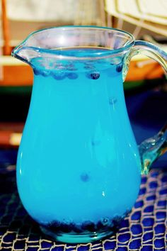 Perfect drink for a Frozen themed birthday Party! via Kara's Party Ideas KarasPartyIdeas.com #frozen #frozenparty #partydrink
