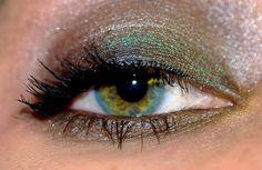 iridiscent green