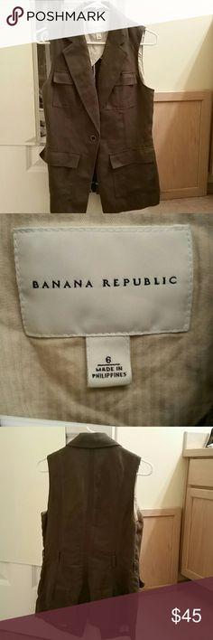 Banana republic safari vest Banana republic safari vest size 6... super cute... missing belt Banana Republic Jackets & Coats Vests