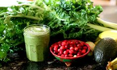 Green Smoothie recipes with fruit, vegetables, turnips, raw food green smoothie diet - Healthy Green Smoothies, Green Smoothie Recipes, Smoothie Diet, Raw Food Recipes, Vitamix Recipes, Healthy Snack Options, Healthy Snacks, Healthy Dishes, Healthy Drinks