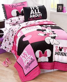 Disney Bedding, Minnie Mouse Full Quilt Set - Bed in a Bag - Bed & Bath… Minnie Mouse Bedding, Disney Bedding, Twin Comforter Sets, Kids Bedding Sets, Kids Comforters, Baby Bedding, Girl Room, Girls Bedroom, Bedroom Ideas