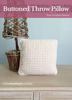 Buttoned Throw Pillow | Free Crochet Pattern from Little Monkeys Crochet (www.littlemonkeyscrochet.com)