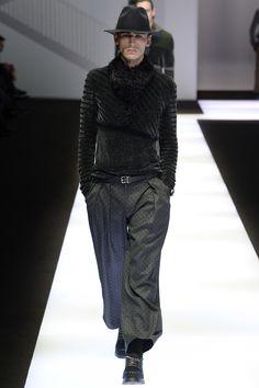 See the complete Emporio Armani Fall 2017 Menswear collection.