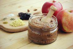 Фруктовая горчица или по-итальянски mostarda di frutta Подготовьте ингредиенты для приготовления одного из вариантов фруктовой горчицы: яблоки - 1-2 штуки сухая горчица - 1-1,5 ст. ложки винный уксус - 1 ст. ложка мед или патока - 1 ст. ложка соль - 1 щепотка специи - по вкусу чернослив - 3-5 штук по желанию