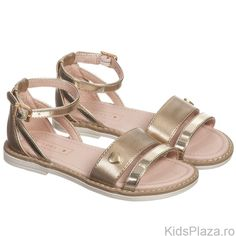 Sandale+cu+detalii+metalizate.Compozitie:+100%+poliuretan,+interior:+100%+piele. Interior, Shoes, Fashion, Moda, Zapatos, Shoes Outlet, Fashion Styles, Design Interiors, Fasion