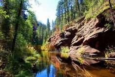 Long, strenuous hikes can be a fun and rewarding experience but sometimes a less strenuous hike is in order. If you're on the lookout for a relatively easy hike that doesn't skimp on beautiful views, you will definitely want to try out this one: the West Fork of Oak Creek Trail.