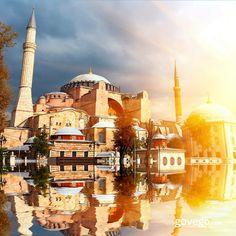 Ayasofya Camii'nden herkese günaydın! Huzurlu bir Cuma günü olsun hepiniz için.  #cuma ----------------- govego.com