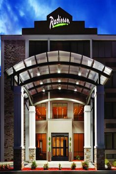 Located in Charlotte, miles from Billy Graham Library, Radisson Hotel Charlotte Airport provides accommodations with a restaurant, free private. Outdoor Swimming Pool, Swimming Pools, Billy Graham Library, Radisson Hotel, Beautiful Hotels, At The Hotel, Free Wifi, Front Desk, North Carolina