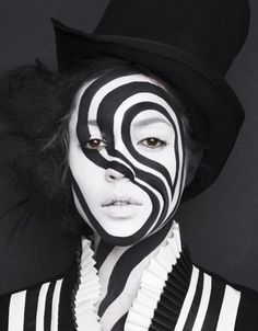 black and white makeup - Halloween Costumes 2013 Black And White Makeup, Black White, Black And White Costume, White Art, Fantasy Make Up, White Costumes, Night Circus, Theatrical Makeup, Make Up Art