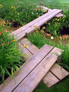 Closer To Nature: 27 Cool Wood Garden Path Ideas Garden Paths, Garden Bridge, Garden Landscaping, Landscaping Ideas, Wooden Path, Wooden Garden, Back Gardens, Outdoor Gardens, Landscape Design