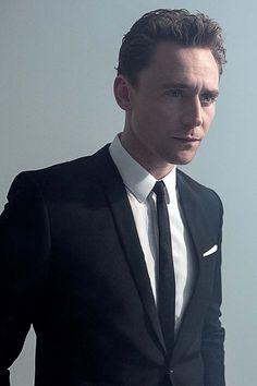 Tom Hiddleston in Cinemania Magazine October 2013. Via torrilla.tumblr.com