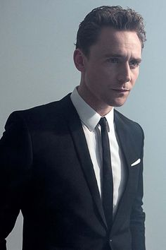Tom Hiddleston in Cinemania Magazine October 2013. Via torrilla.tumblr.com