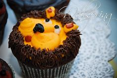 lion cupcake for his 1st birthday party!!!