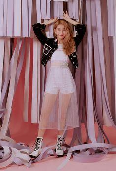Your number one Asian Entertainment community forum! Kpop Girl Groups, Korean Girl Groups, Kpop Girls, I Love Girls, Cool Girl, Kpop Fashion, Fashion Outfits, Soyeon, K Idols