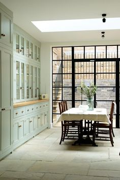 Modern Country Kitchens, Modern Country Style, English Kitchens, Kitchen Modern, Rustic Kitchen, Minimalist Kitchen, Devol Kitchens, Home Kitchens, New Kitchen