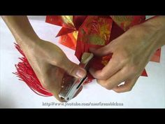 How to make a Ornamental Hong Bao Flower Ball (彩球, 花球) Chinese New Year Crafts, Red Packet, New Year's Crafts, Red Envelope, Flower Ball, New Years Party, Craft Tutorials, Paper Art, Origami