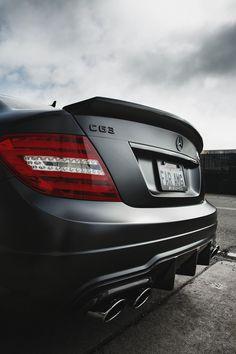 AMG in matte black 👌 Lamborghini, Ferrari, Bugatti, Mercedes Benz Sports Car, Mercedes Benz C63 Amg, Audi, Porsche, Mercedez Benz, Amg Petronas