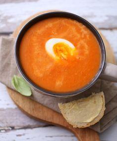 Kremet tomatsuppe med egg | Sunnere Livsstil