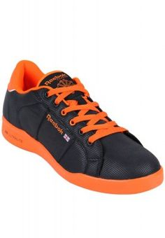 Sneakers in black and orange for the urban youth of today. This pair of sneakers comes with 3D Ultralite technology and foam insole for extra comfort. Shoes made with 3D Ultralite are 10-20% lighter than other shoes. These are engineered to be lightweight, durable and responsive to your movements. Team this pair of sneakers with jeans to spend the evening with your friends in style.