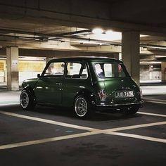 1965 Morris Mini Minor scoots into 'Jay Leno's Garage' - Mini Owners Club Mini Cooper Classic, Classic Mini, Classic Cars, Mini Coper, 135i Coupe, Austin Mini, Mini Morris, Automobile, Mini Clubman