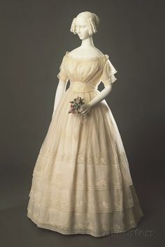 Women's Dress in Cotton Muslin with Embroidered Lace Ornaments, Circa 1840