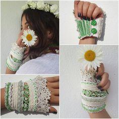 white wedding gloves lace fingerless gloves wedding by SESIMTAKI