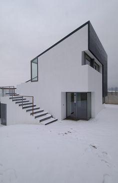 """House in Sierra de Collado Mediano by Padilla Nicás Arquitectos """"Location: Urbanización Serranía de la Paloma, Collado Mediano, Madrid, Spain"""" 2007 - 2009"""
