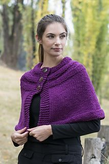 This capelet is a free pattern!