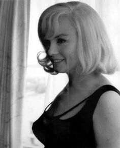 the movie the misfits with marilyn monroe The Misfits, Marilyn Monroe Photos, Marylin Monroe, Vintage Glamour, Vintage Beauty, Vintage Vogue, Inge Morath, John Huston, Gentlemen Prefer Blondes