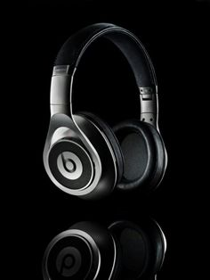 Beats by Dre - Executive Silver