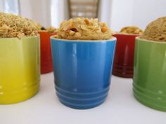Peanut in a cup! Cake Mug, Dessert Sans Gluten, Dog Food Recipes, Biscuits, Favorite Recipes, Nutrition, Vegan, Cookies, Mugs