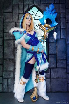 Crystal maiden from Dota 2 Cosplayer: Kinpatsu Cosplay