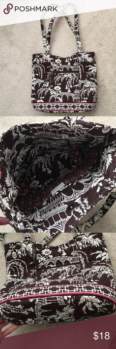 "Vera Bradley shoulder bag Gently used Vera Bradley shoulder bag.  Has a snap closure, one inner zipper pocket and 3 inner pockets.  Approx 13"" wide,  10"" tall and 4 1/2"" deep. Strap drop is 11"". Vera Bradley Bags Shoulder Bags"