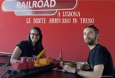 #Railroad di Lisbona dove le bibite arrivano su un #treno  #aperitivo #lisbona #portugal #visitlisbon #visitlisboa #visitportugal #sharelisboa #viverealisbona  #italianialisbona #vivereinportogallo #portogallo #alisbonaconlilly #lisbon #lisboa #lisbonne #lisbonacuriosa #lisbonanonturistica #lillyslifestyle #lisbonsecret #vacanzalisbona