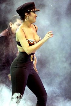 Selena Quintanilla at the Houston Livestock And Rodeo Show in the Houston Astrodome in 1993 Selena Quintanilla Perez, Selena Gomez, Selena Selena, Lady Gaga, Michael Jackson, Selena Pictures, Mundo Musical, Selena And Chris, Iconic Women