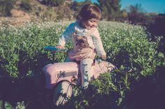 Fotografía de #Familia en #Castellón y #Valencia - Reportajes para niñas y niños en el bosque - #Otoño #Autum #Kids #imaginarium #Pink #Toys