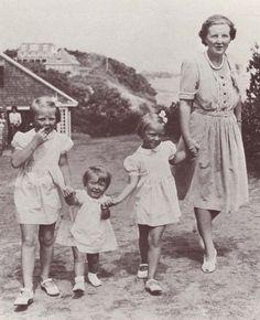 Beatrix, Margriet, Irene en Juliana in Canada, 1944