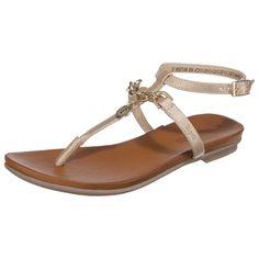 Diese extravaganten bugatti Sandaletten bestechen durch ihr schimmerndes und robustes Obermaterial in Lederoptik. Das glänzende Kettenelement mit Anhänger verleiht einen besonders edlen Look.